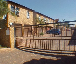 R 5,800 - 2 Bed Property To Rent in Glen Marais