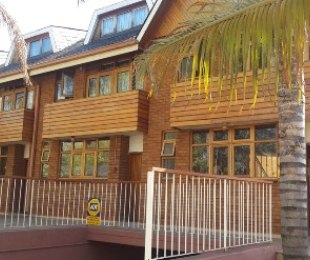 R 10,200 - 2.5 Bed Flat To Rent in Hatfield