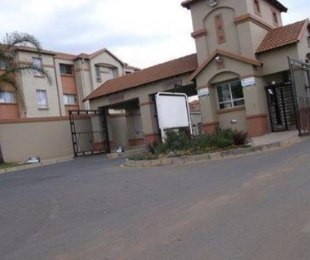 R 550,000 - 2 Bed Property For Sale in Ormonde