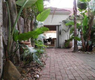 R 2,200,000 - 2 Bed House For Sale in Melville