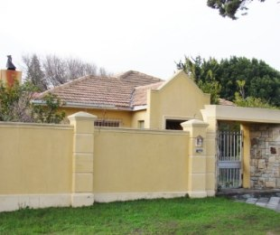 R 1,949,000 - 3 Bed Property For Sale in Rondebosch East