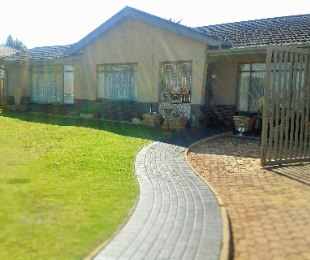 R 1,590,000 - 4 Bed Property For Sale in Discovery