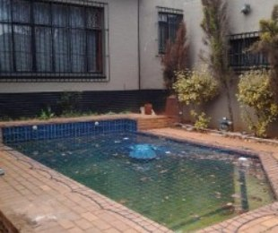 R 980,000 - 4 Bed House For Sale in Bezuidenhout Valley
