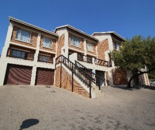 R 989,000 - 2 Bed Property For Sale in La Montagne
