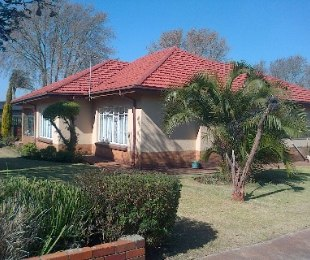 R 1,199,000 - 3 Bed Property For Sale in Westdene