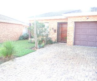R 1,350,000 - 2 Bed Home For Sale in The Crest