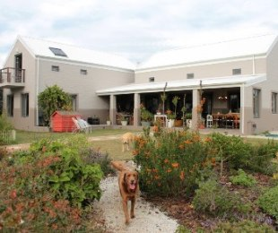 R 2,600,000 - 2 Bed House For Sale in Stanford