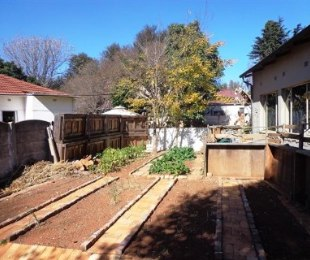 R 13,800 - 5 Bed House To Rent in Dalview