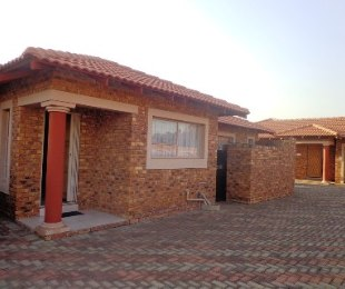 R 7,300 - 3 Bed House To Rent in New State Areas