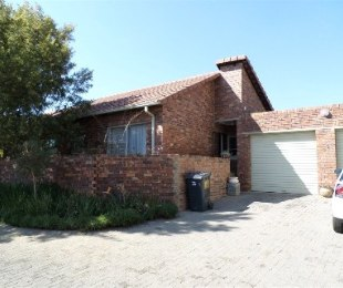 R 980,000 - 2 Bed Property For Sale in Strubensvallei