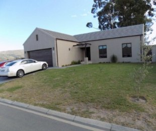 R 5,000 - 3 Bed Home To Let in Paarl