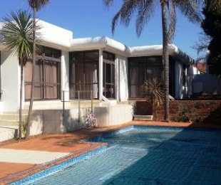 R 27,600 - 4 Bed House To Rent in Waterkloof Ridge