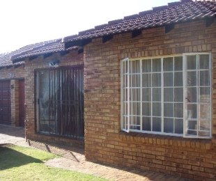 R 850,000 - 2 Bed Property For Sale in Willowbrook