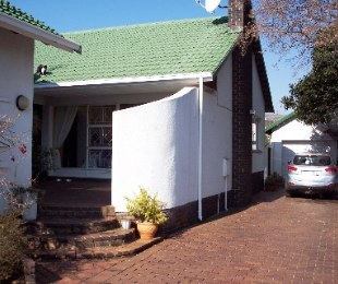 R 1,650,000 - 4 Bed House For Sale in Horison Park