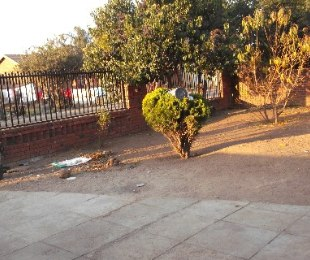 R 300,000 -  Property For Sale in Mamelodi