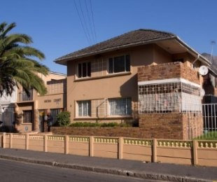 R 680,000 - 1 Bed Flat For Sale in Mowbray