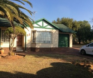 R 1,195,000 - 3 Bed Property For Sale in Heuweloord