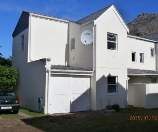 R 1,200,000 - 3 Bed Home For Sale in Muizenberg