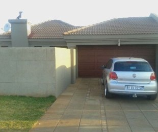 R 750,000 - 3 Bed House For Sale in Vosloorus