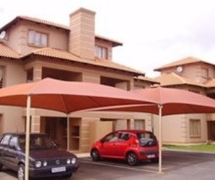 R 540,000 - 3 Bed Apartment For Sale in Crystal Park