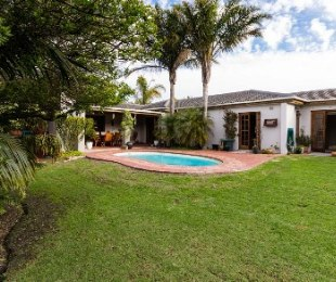 R 2,795,000 - 3 Bed House For Sale in Sonstraal