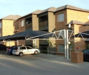 R 780,000 - 3 Bed Property For Sale in Birchleigh