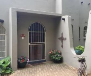 R 1,700,000 - 4 Bed House For Sale in Glen Marais