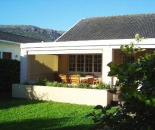 R 1,950,000 - 4 Bed House For Sale in Fish Hoek