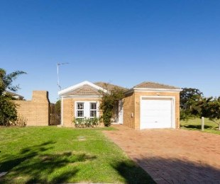 R 1,395,000 - 3 Bed Home For Sale in Sonstraal Heights