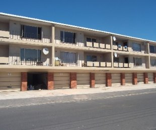 R 375,000 -  Flat For Sale in Goodwood