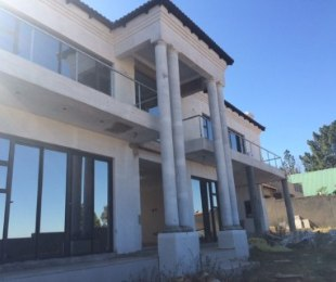 R 5,900,000 - 5 Bed House For Sale in Eagle Canyon Golf Estate