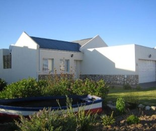 R 900,000 - 3 Bed House For Sale in Laguna Sands
