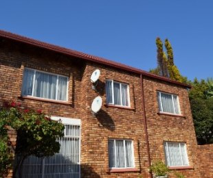 R 725,000 - 2 Bed Property For Sale in Centurion