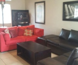 R 740,000 - 3 Bed Property For Sale in Florida