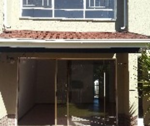 R 999,000 - 3 Bed Property For Sale in Farrarmere