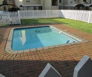 R 630,000 - 2 Bed Apartment For Sale in Castleview