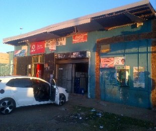 R 750,000 -  Commercial Property For Sale in Mapetla
