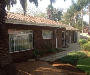 R 1,420,000 - 4 Bed Home For Sale in Flora Park