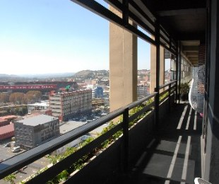 R 1,025,000 - 1 Bed Flat For Sale in Jeppestown