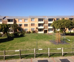 R 650,000 - 1 Bed Flat For Sale in Milnerton