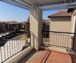 R 690,000 - 2 Bed Apartment For Sale in Meredale