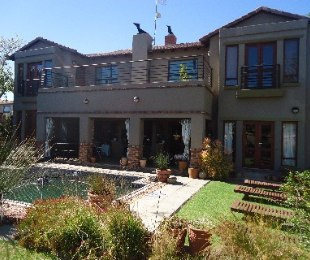 R 3,375,000 - 3 Bed House For Sale in Honeydew
