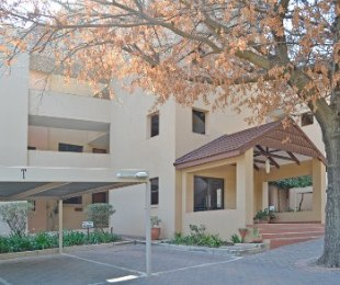 R 2,750,000 - 2 Bed Apartment For Sale in Benmore