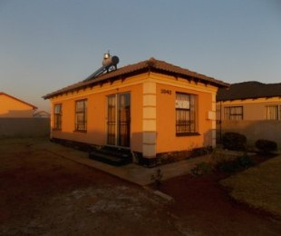 R 550,000 - 3 Bed Home For Sale in Dawn Park