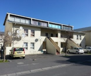 R 430,000 - 1 Bed Flat For Sale in Maitland