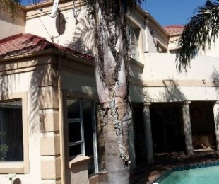 R 1,900,000 - 4 Bed House For Sale in Kempton Park