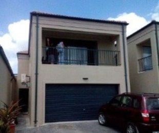 R 1,650,000 - 3 Bed Property For Sale in Protea Heights