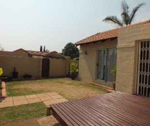 R 995,000 - 3 Bed Property For Sale in Eldoraigne