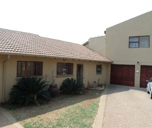 R 1,895,000 - 3 Bed Home For Sale in Little Falls