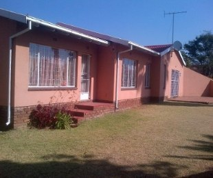 R 1,250,000 - 3 Bed Home For Sale in Meredale